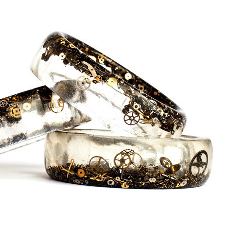 eco-resin-steampunk-bangle-1